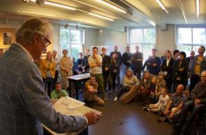 Sjoerd Soeters opent de tentoonstelling 35 jaar Domineestuin in het Weefhuis