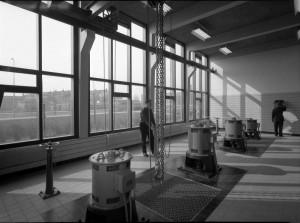 Een van de vier foto's waar verhalen over gezocht worden door het Zaans Museum.